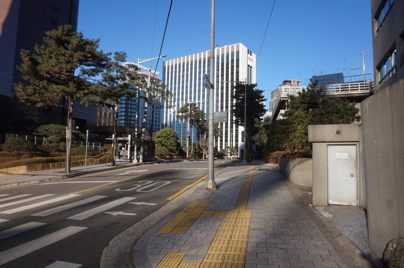 Seoul City Wall Trail on Sejong-daero7-gil
