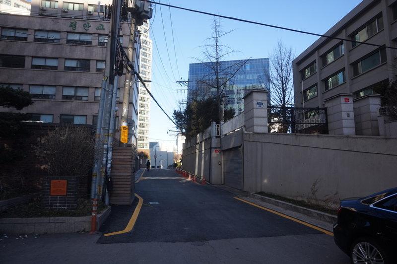 Seoul City Wall Trail on Seosomun-ro