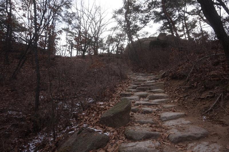 Bukhansan Traverse towards Hyangnobong Peak