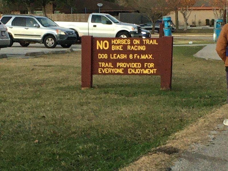 Trailhead rules sign