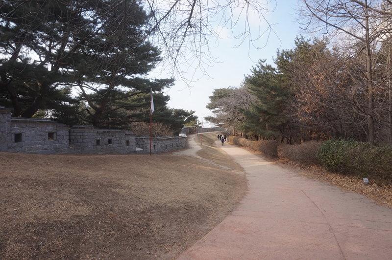 Hwaseong Fortress Loop towards the Western Guard Pavilion
