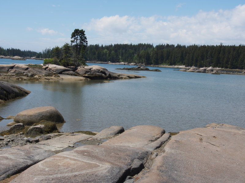 Granite boulders at the Basin shore - and excellent picnic place.