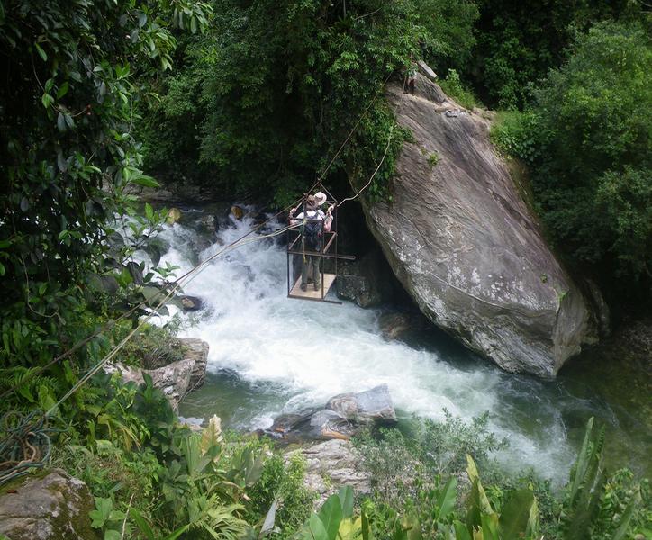Crossing the Rio Buritaca