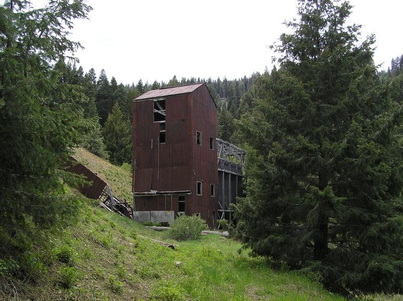 Abandoned mine near trailhead