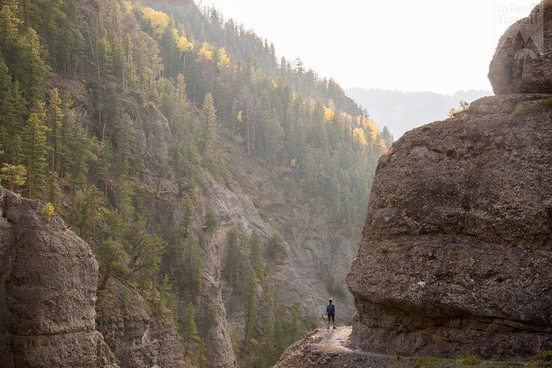 Great edge-clinging trail!