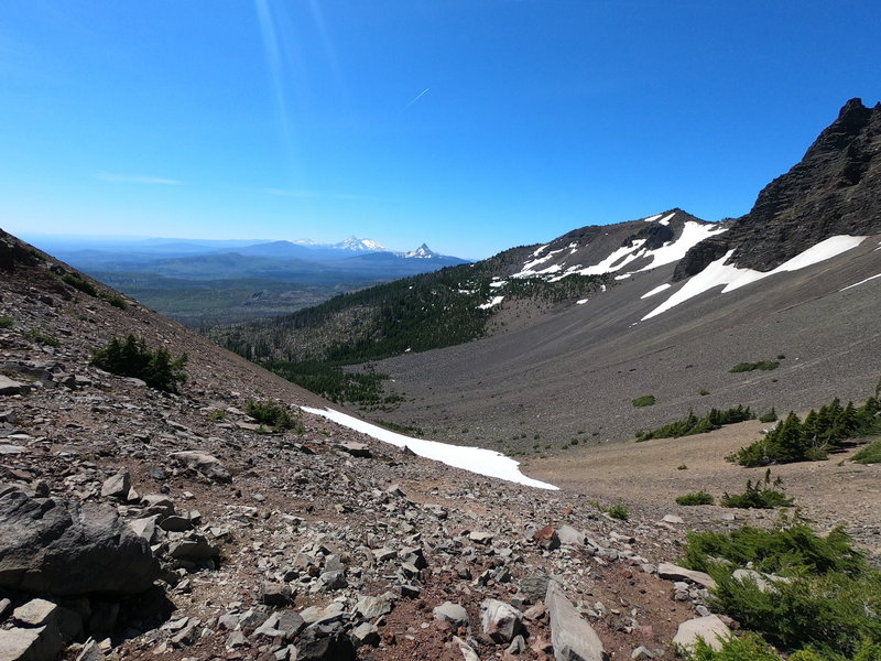 View south from saddle showing Mt. Washington, 3 Sisters and Broken Top (07-14-2020)