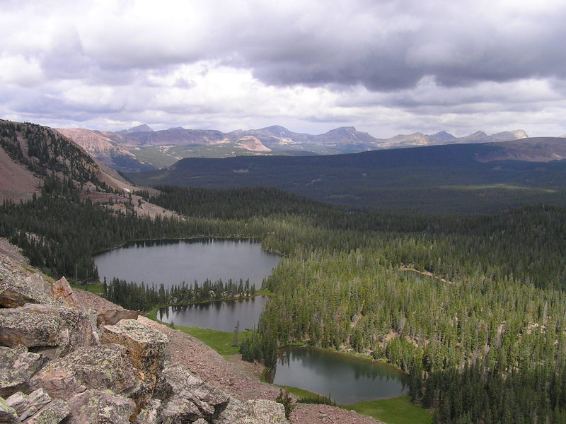Looking down on Rudolph Lake and Squaw Basin from Dry Ridge trail (08-17-2005).