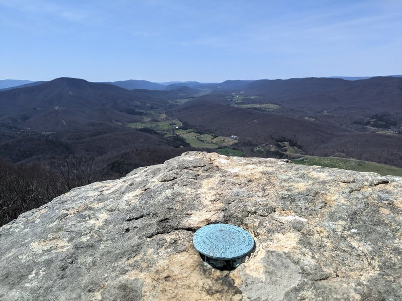 Looking at the Catawba Valley from Tinker Cliffs.