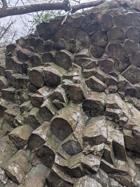 Columnar basalt rock format at Compton Peak east.