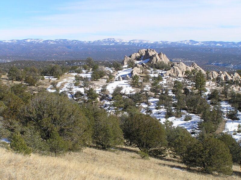 Whiterocks formation looking east towards the Black Range (12-31-2011)