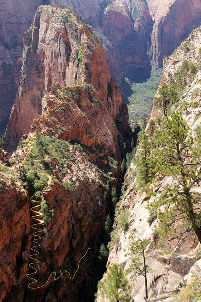 Angels landing trail from Refrigerator Canyon to the 'landing'.