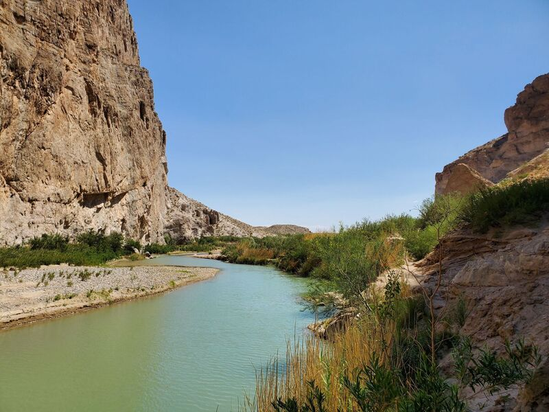 Looking out of Boquillas Canyon near the end of the trail.