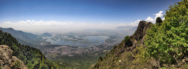 A panoramic view of the Dal Lake and the Srinagar city can be seen if you trek a little up towards the pass in the ridge. In distance, the Shankarcharya hill on the left and Hari Parbat around the center can also be seen.