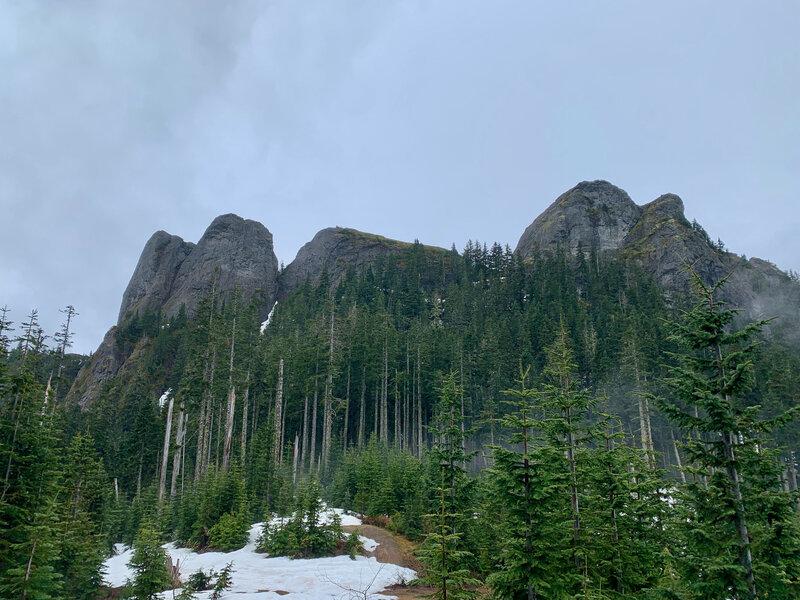 Rocky outcrops near the top of Osborne Mountain