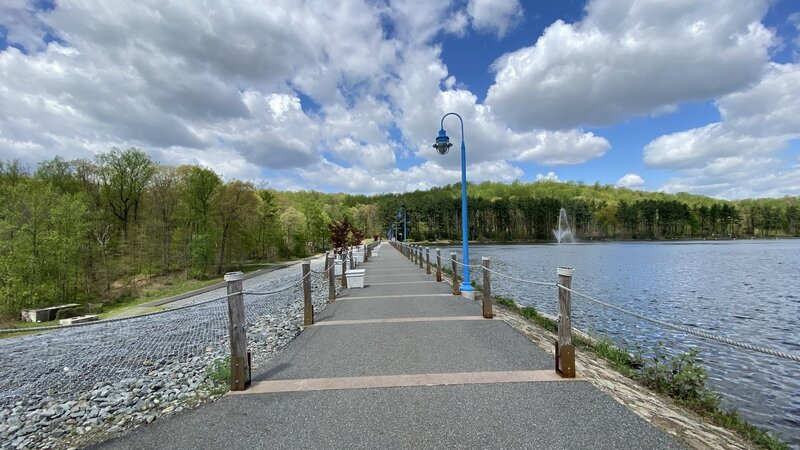 The Orange Reservoir Loop is an excellent place to walk with your pet.