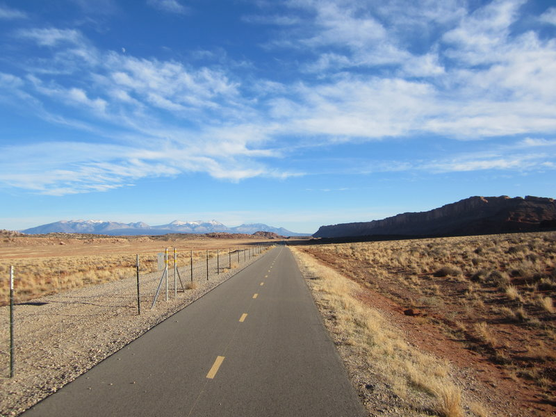 The Moab Canyon Pathway along the Bar-M loop.