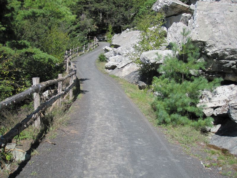 Mohonk Mountain House trail