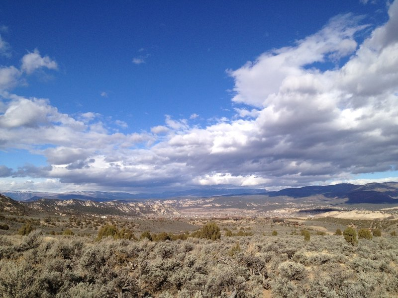 View from the doubltrack between Mayer Gulch trail and Bailey Trail.