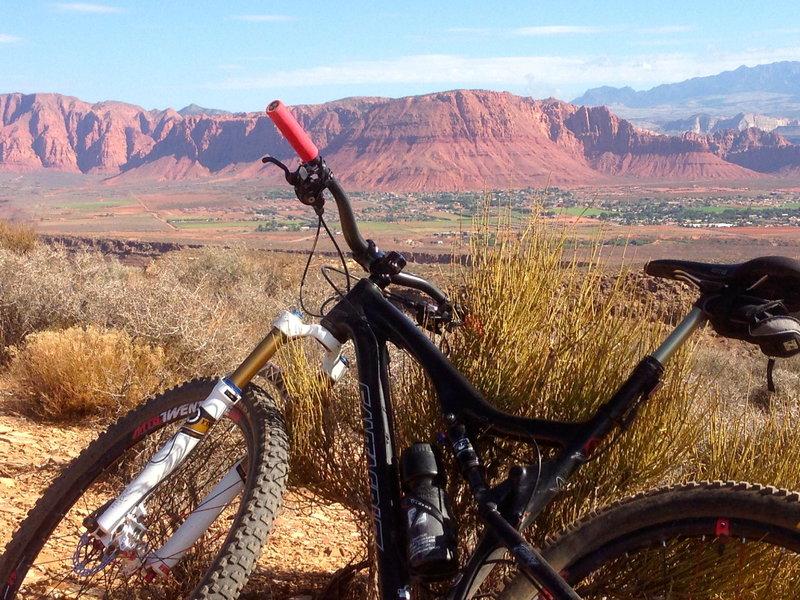 View north toward  Snow Canyon