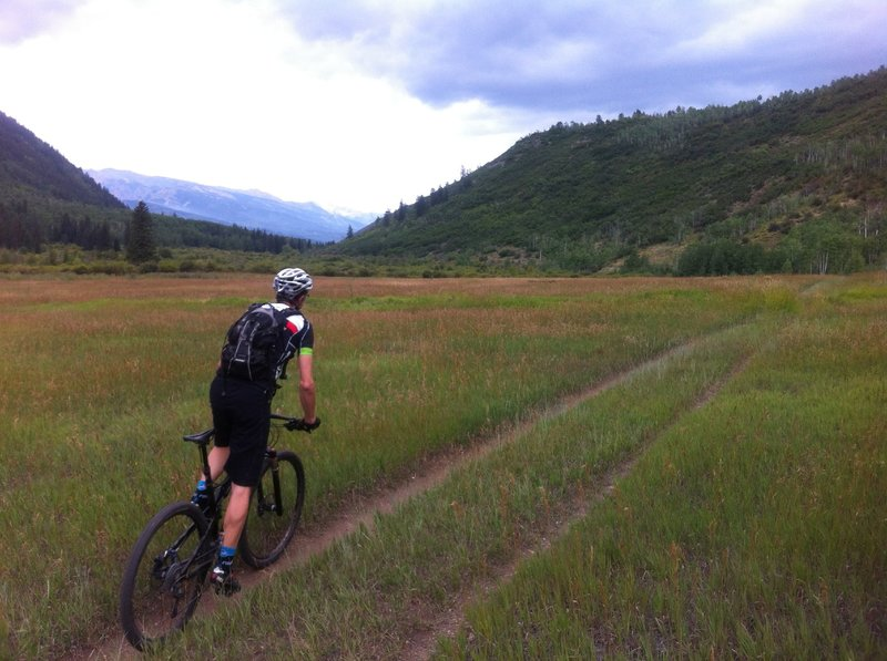 Mike A., heading downvalley on the Hunter Creek Trail