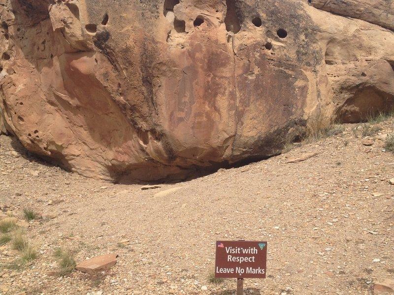 Petroglyphs near to upper loop