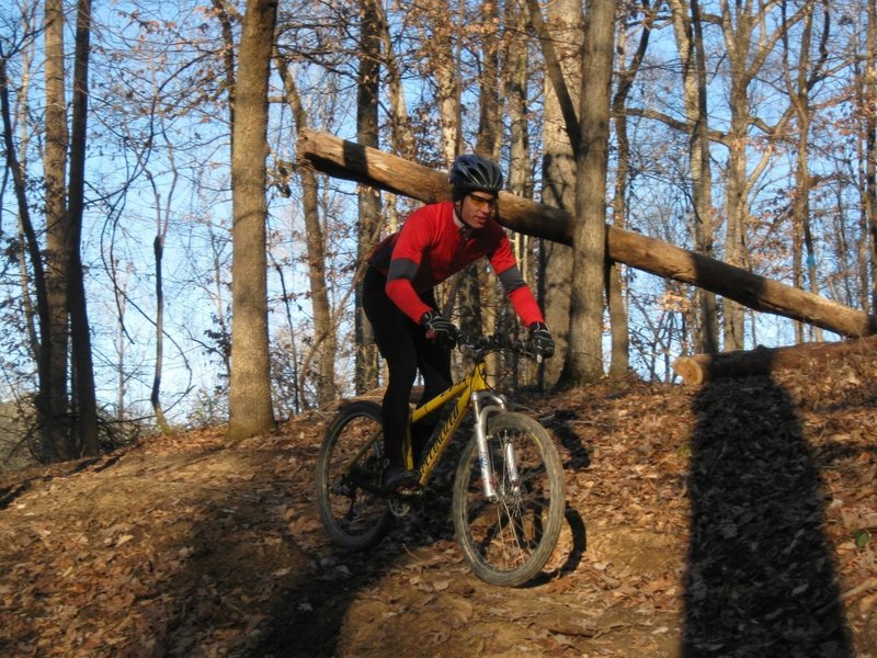 The famous Kevin Conerly zooming down one of the switchback along the 3 Bridges Trail