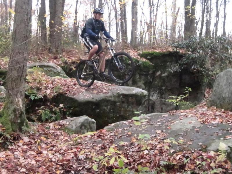 Optional boulder hopping along the main Wolf Rocks trail