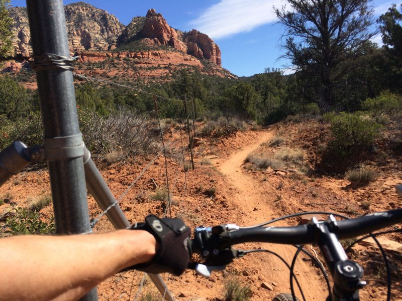 Two Fence trail: well named.