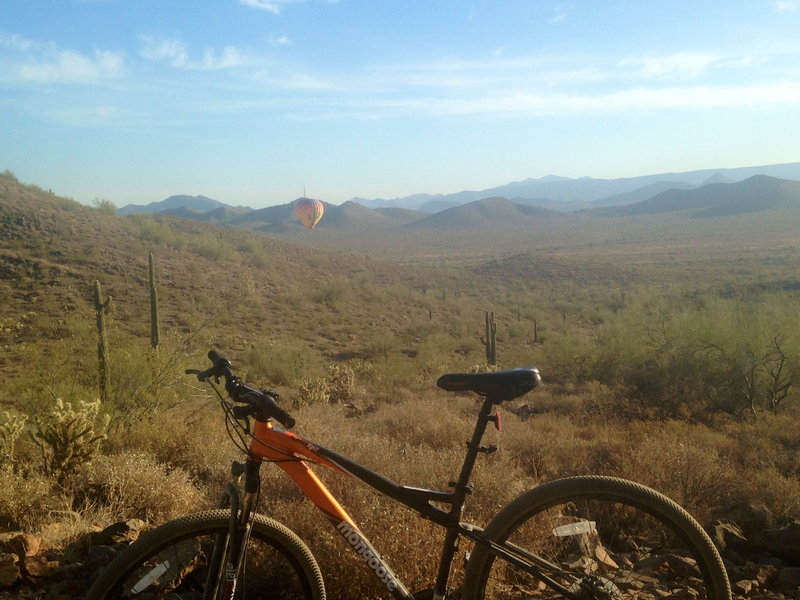 Sunday morning ride on Sonoran Figure 8 Loop. Hot air balloons around every corner!