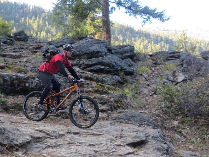 Descending rock ledges before the Rock Creek bridge