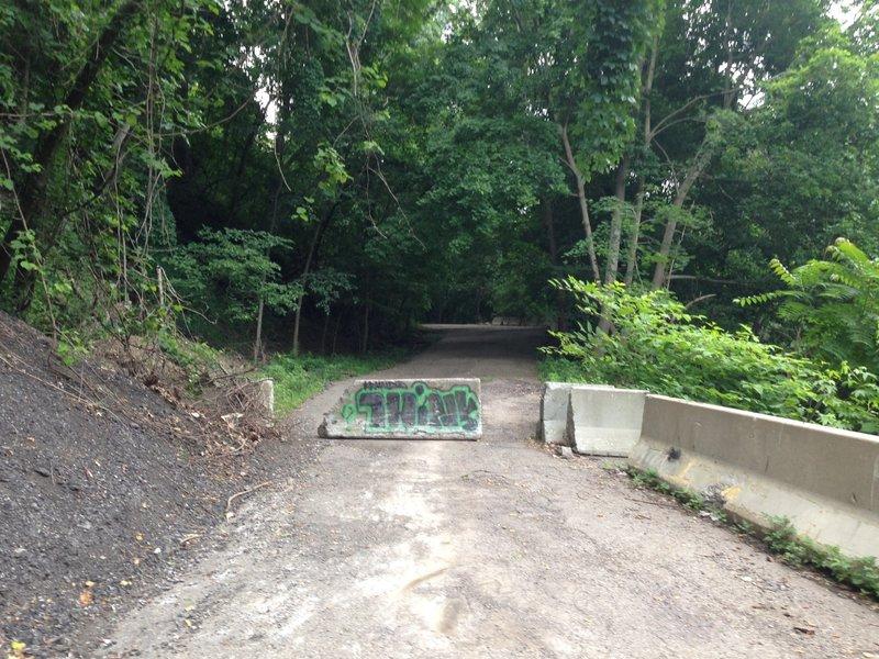 Old Kilbuck Road - Lower Entrance