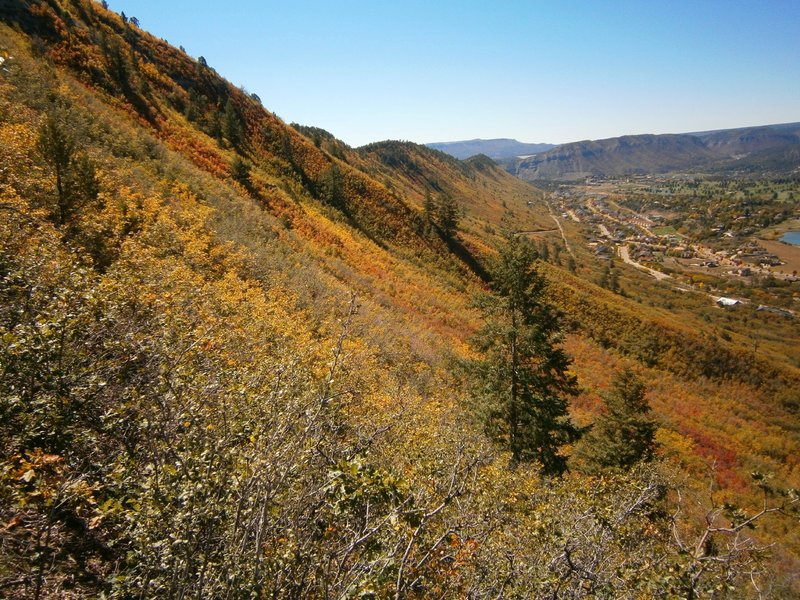 Looking south at Raiders Ridge, fall time, from Skyline trail