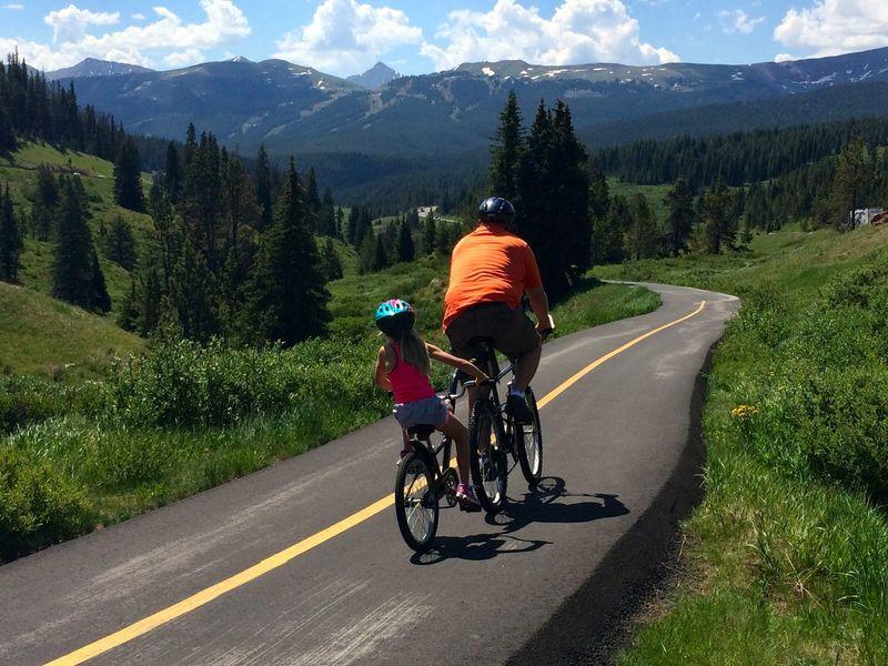 Family cruise towards Copper Mountain!