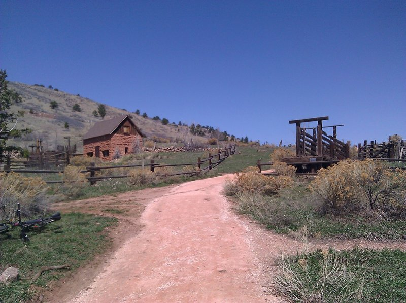 A view of the Swan Johnson trailhead from the Soderberg Open Space parking lot.  The view is looking North.  Follow the trail North to access additional trails at Horsetooth Mountain Park.