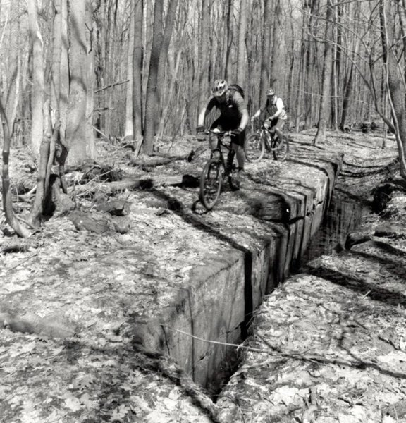 Riding the rocks on Rim Trail
