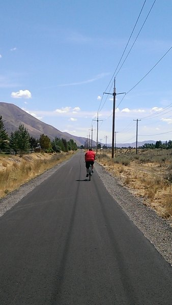 Newly paved (Summer 2014) section of path between Hailey and Bellevue