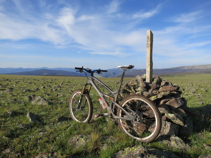 The first of several pictures of my bike leaning against a Colorado Trail cairn on the Jarosa Mesa > Cataract Ridge > West Pole Creek ride.