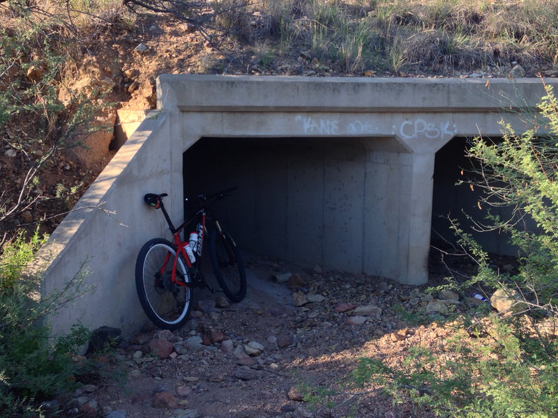 Yep, the trail goes through there. Not recommended during a monsoon storm.
