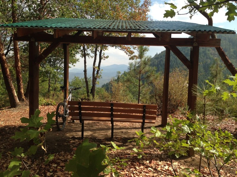 Rest with a view along the Naversen Family trail