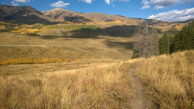 Lower Meander and views of Deer Creek Trail