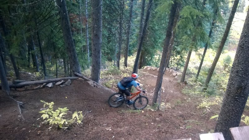 Riding the steeper switchbacks of Psycho Rocks