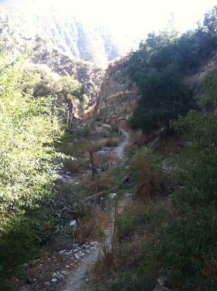 Gabrielino Trail just before the dam.