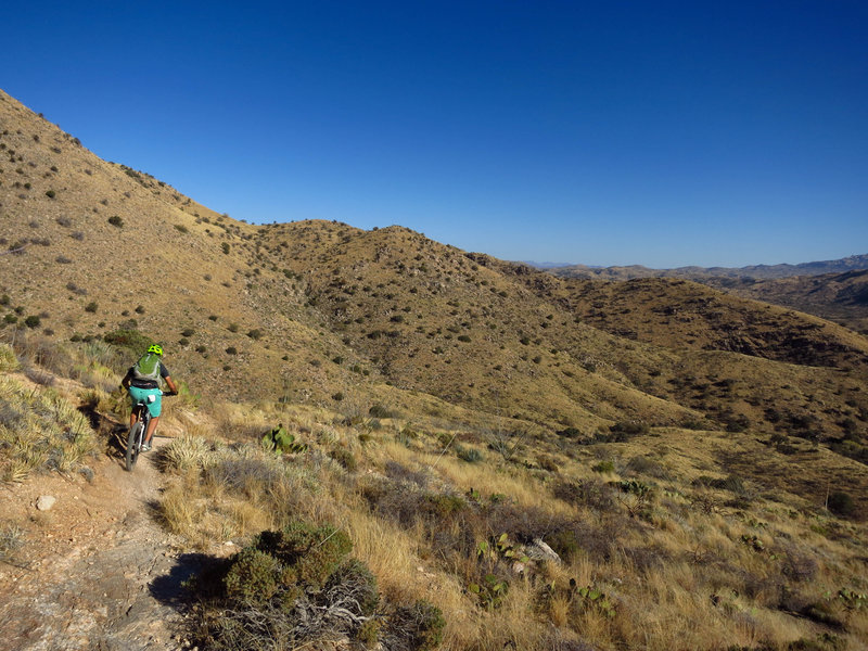 Great views and great DH's heading east on Bellota towards La Milagrosa