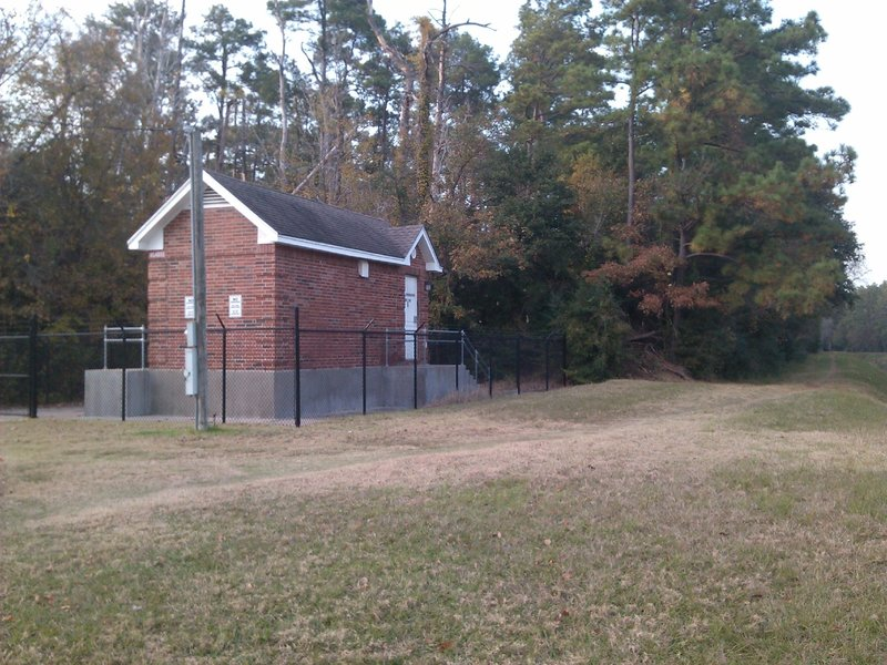 Communication shack at the beginning of North Ridge.
