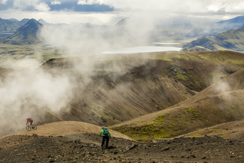 Dropping down to Lake Alftavatn from Jokultungur Pass on the Laugavegur Route.