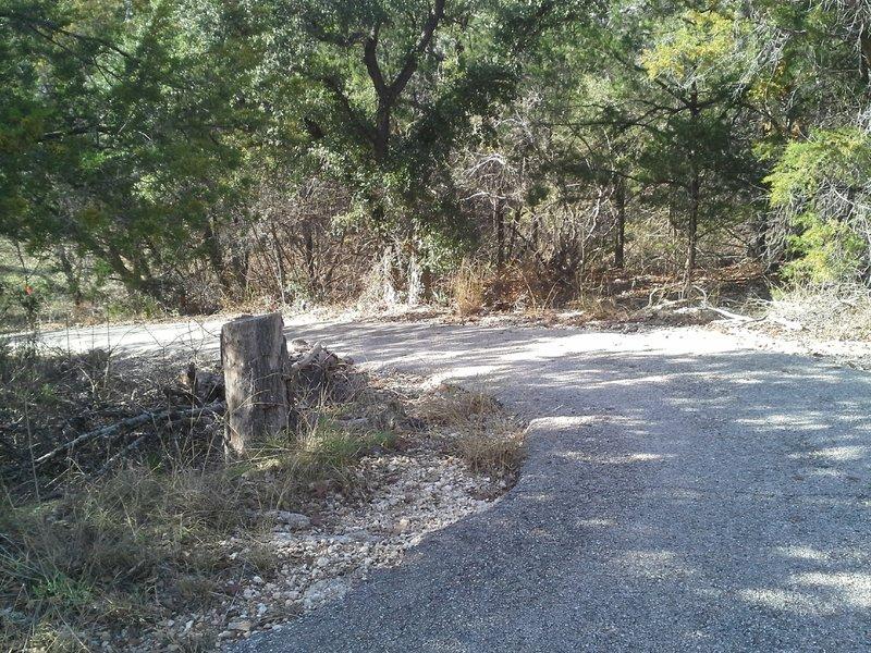 The steep climb/descent of the San Gabriel River Trail along Lake Georgetown's dam