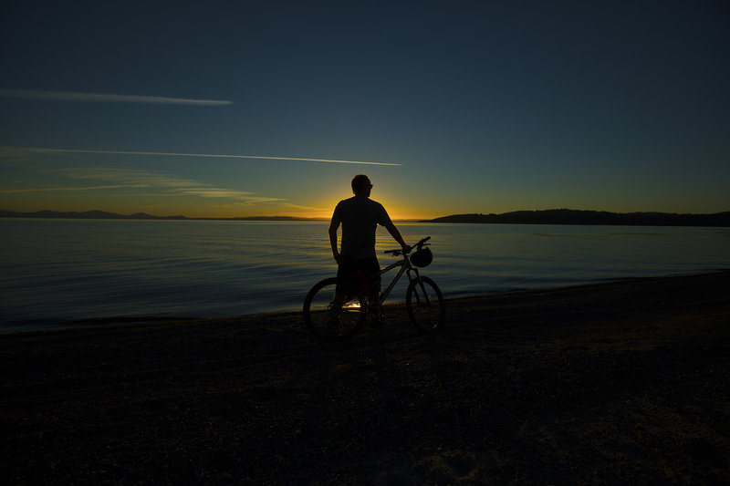 Sunset over Lake Taupo at 5 Mile Bay on the Lions Walk bike trail