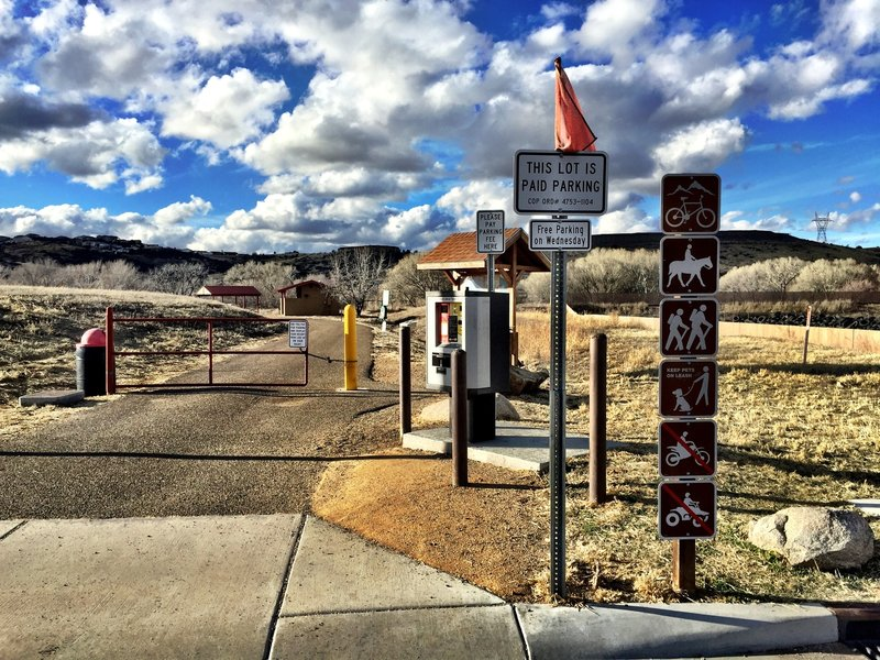 Start of the Peavine Trail with pay station