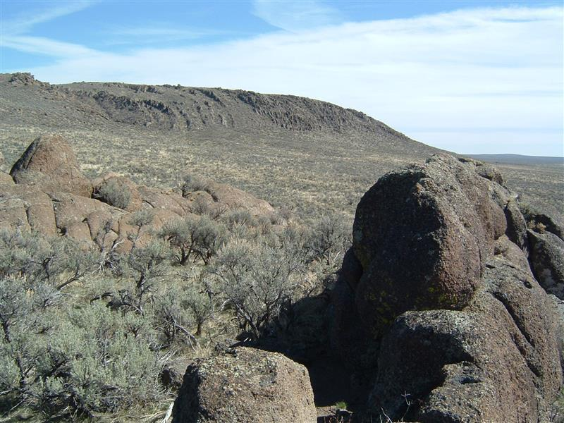 Rock formations and Dinosaur Ridge Trail.