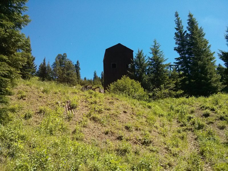 Mother Lode Mine buildings by the parking area of the Lookout Mountain Trail.